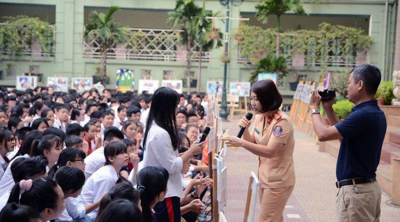 Tuyên truyền an toàn giao thông trong học đường